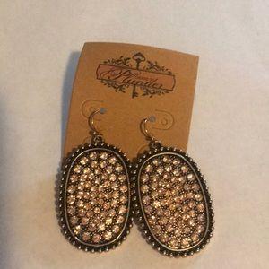 Retired Plunder Kelsie earrings-NWT